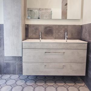 Mobile due lavabi, specchio e colonna reversibile