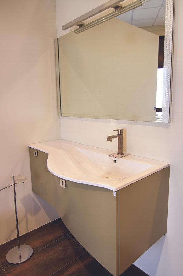 Mobile completo di lavabo e specchio