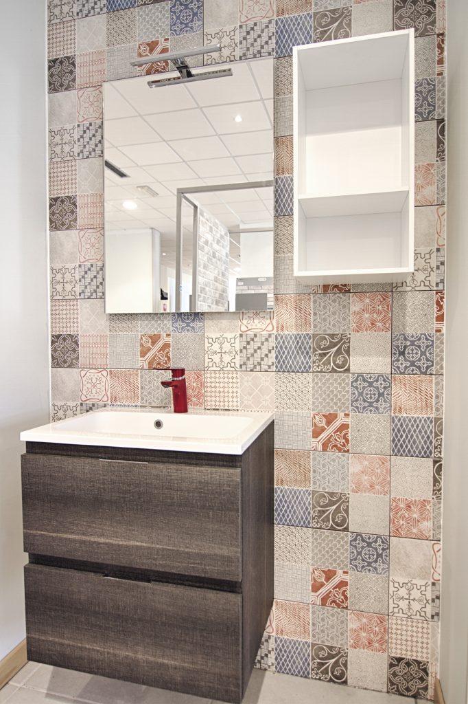Mobile con lavabo specchio e pensile bagno e accessori arredo bagno casastore - Pensile bagno specchio ...