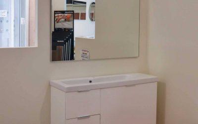 """Mobile """"Pollock"""" con lavabo e specchio"""