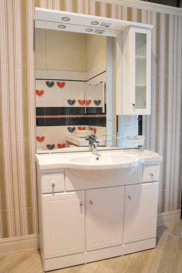 EGO: lavabo con base, specchiera e pensile